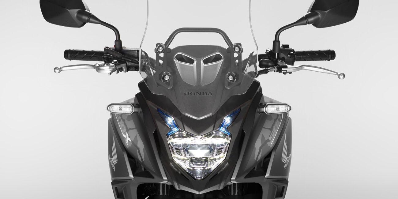 19YM_CB500X_MatGunpowderBlackMetallic_NH436_Headlight