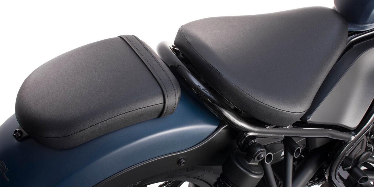 20YM_CMX500_REBEL_Seat-2000x1333