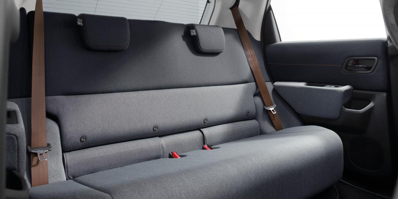 Honda-e-rear-couch-2000x1333