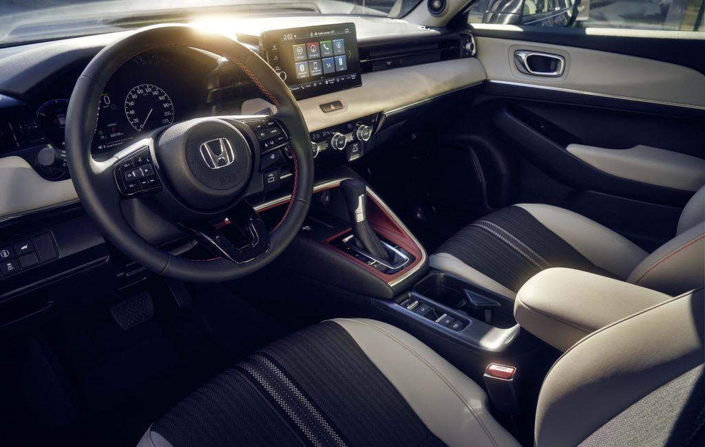 22YM-HR-V-Style-FrontSeats-KG-1024x682